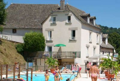 Camping familial Aveyron Piscine Chauffée